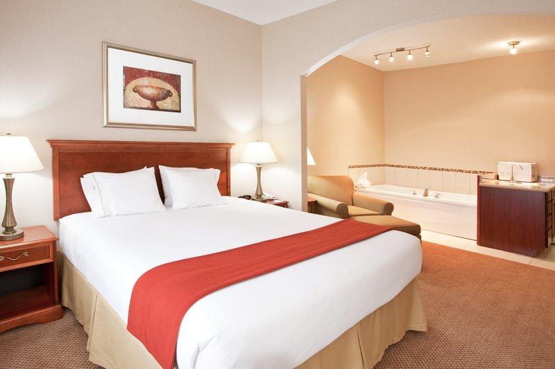 Holiday Inn Express & Suites Detroit - Utica in Utica, MI, photo #24