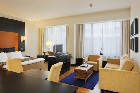 Crowne Plaza HELSINKI - Our Junior Suites give you additional space and comfort