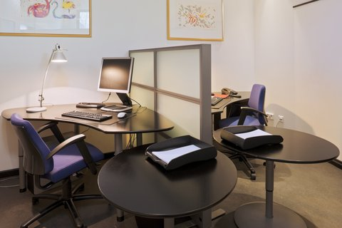 Crowne Plaza HELSINKI - Be connected with your friends and family at our Business Center
