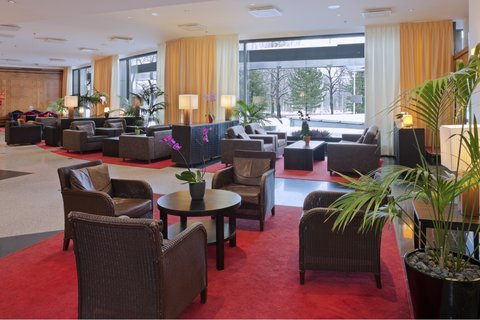 Crowne Plaza HELSINKI - Our hotel s lobby is ideal place to meet and get connected