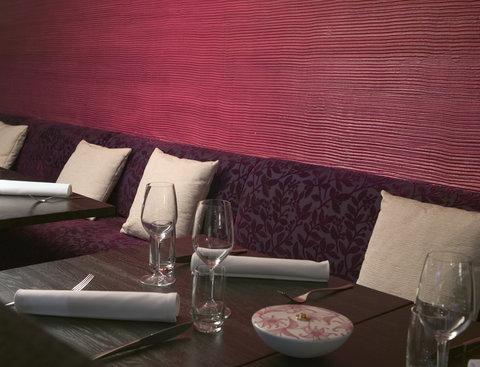 Crowne Plaza HELSINKI - Elegant   la carte restaurant Macu with Mediterranean cuisine