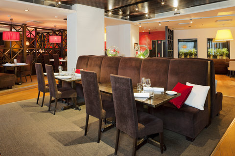 Crowne Plaza HELSINKI - Elegant A la Carte restaurant Macu with Mediterranean kitchen