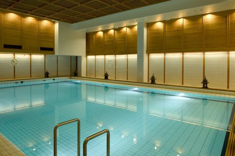 Crowne Plaza HELSINKI - Refresh yourself in our lap pool or take a dip in the cold pool