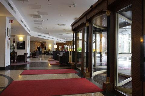 Crowne Plaza HELSINKI - Entrance