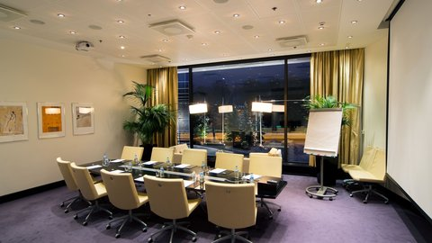 Crowne Plaza HELSINKI - Our Boardroom meeting room is perfect for up to 10 people