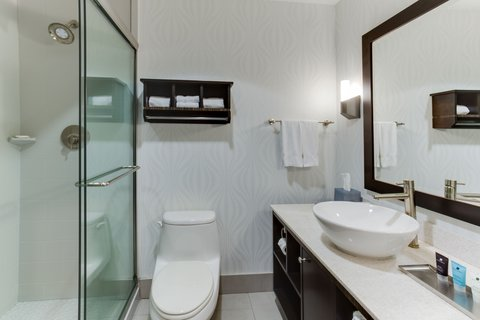 Crowne Plaza FT. LAUDERDALE AIRPORT/CRUISE - Guest Bath