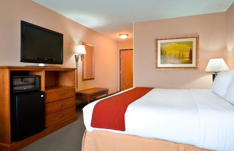 Holiday Inn Express & Suites LAKE ZURICH-BARRINGTON - King Bed Guest Room