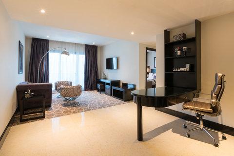 فندق هوليدي ان البرشا - Club One Bed Room Suite