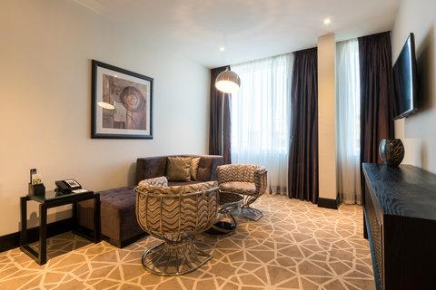 فندق هوليدي ان البرشا - Club Two Bed Room Suite