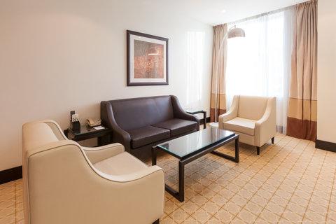 فندق هوليدي ان البرشا - Club Suite