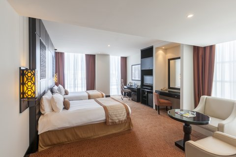 فندق هوليدي ان البرشا - Stay relaxed in twin bed Deluxe room