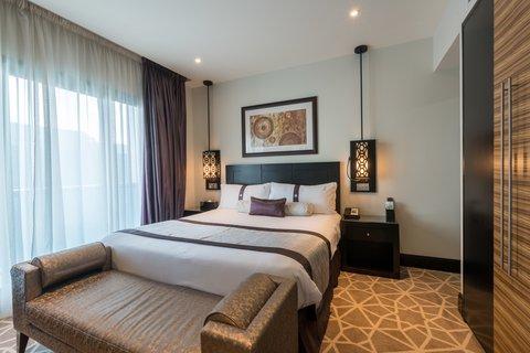 فندق هوليدي ان البرشا - 1Bed Room Suite Non Smoking