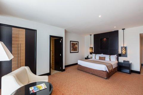 فندق هوليدي ان البرشا - Spacious king bed Deluxe Room