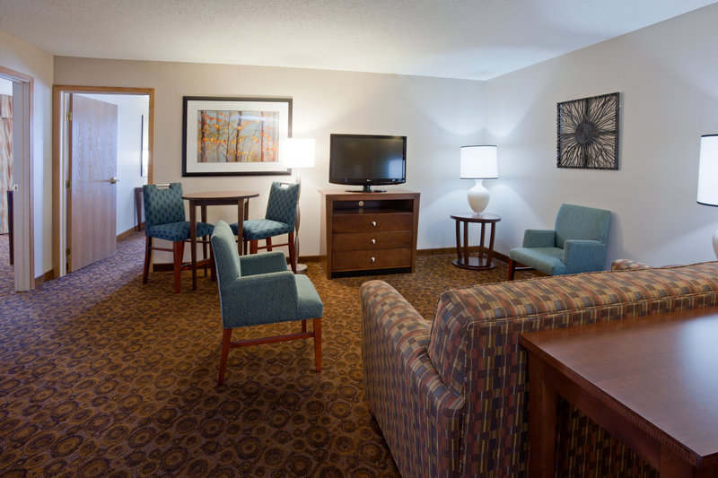 Holiday Inn Express & Suites ST. CLOUD - Sartell, MN