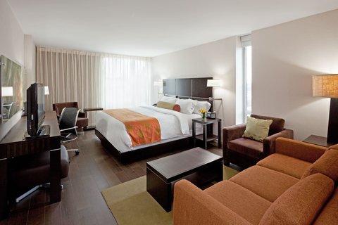 Hotel Indigo BOSTON-NEWTON RIVERSIDE - Experience sense of renewal  in stylish  eco-friendly deluxe rooms