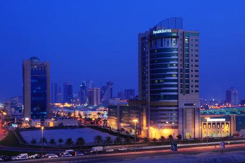 فندق فريزر سويتس سيف البحرين - Exterior with Seef Mall