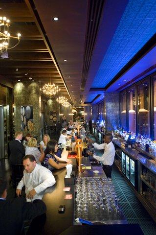 فندق كراون بلازا أبوظبي, جزيرة ياس  - Stills Bar