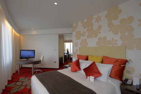 فندق كراون بلازا أبوظبي, جزيرة ياس  - Suite