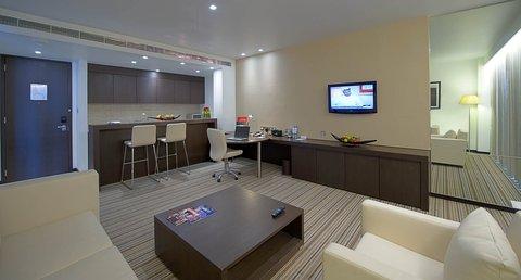 فندق كراون بلازا أبوظبي, جزيرة ياس  - Superior Suite