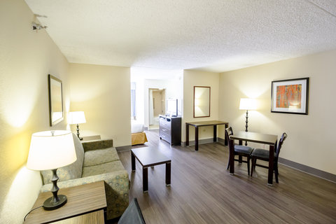Holiday Inn Express & Suites AUSTIN AIRPORT - Executive Room