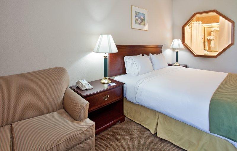 Holiday Inn Express JUNCTION CITY - Dighton, KS