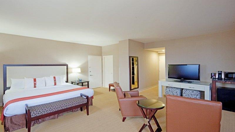 Holiday Inn Hotel & Suites MARLBOROUGH - Marlborough, MA