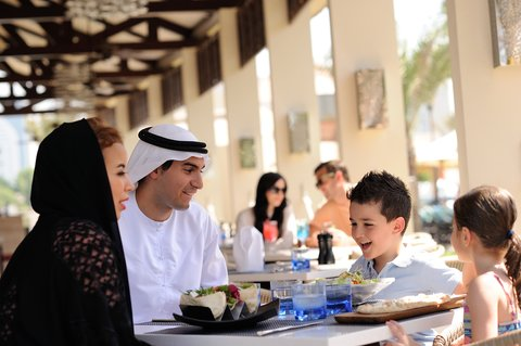 فندق إنتركونتيننتال أبو ظبي  - The Bayshore Restaurant