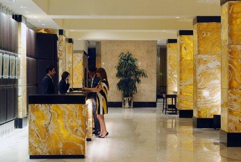 فندق إنتركونتيننتال أبو ظبي  - Front Desk