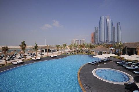 فندق إنتركونتيننتال أبو ظبي  - Bayshore - Beachfront Club