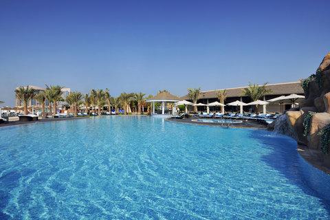 فندق إنتركونتيننتال أبو ظبي  - Swimming Pool