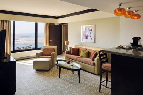 فندق إنتركونتيننتال أبو ظبي  - Deluxe Suite