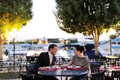 فندق إنتركونتيننتال أبو ظبي  - Terrace Dining Outside Circo Restaurant