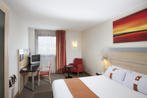 Holiday Inn Express Barcelona Molins De Rei - Stay in our fresh and comfortable rooms