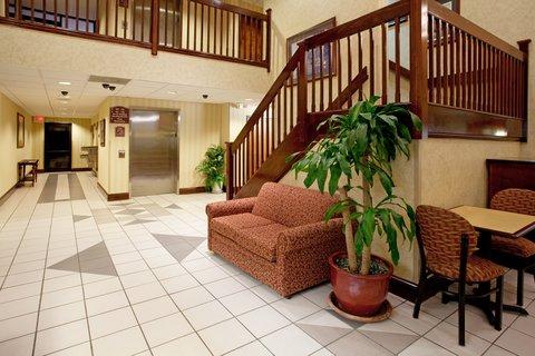 Holiday Inn Express & Suites LEXINGTON-HWY 378 - Hotel Lobby