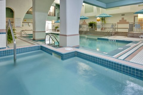 Holiday Inn Hotel And Suites Windsor Ambassador Bridge - Refresh