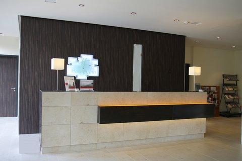 Holiday Inn LEIPZIG - GÜNTHERSDORF - Front Desk