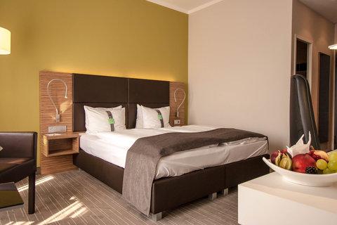 Holiday Inn LEIPZIG - GÜNTHERSDORF - Comfort King Bed Guest Room
