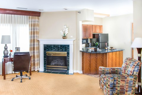 DoubleTree by Hilton Bloomington - Jr  Presidential Suite