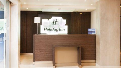 Holiday Inn PARIS - ELYSÉES - Front Desk