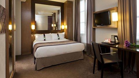 Holiday Inn PARIS - ELYSÉES - Queen Bed Guest Room