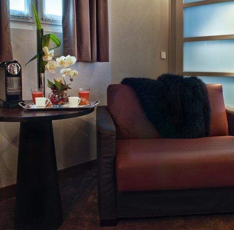Holiday Inn PARIS - ELYSÉES - Sleeper Sofa
