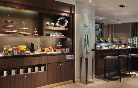Holiday Inn PARIS - ELYSÉES - Full buffet breakfast