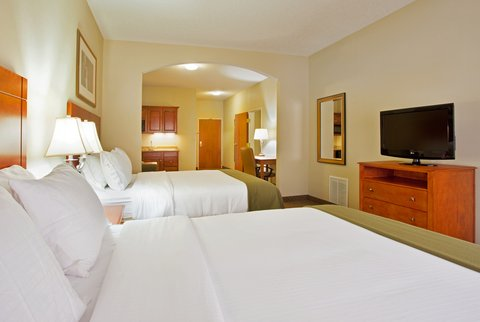 Holiday Inn Express & Suites GOSHEN - Two Queen Bed Suite