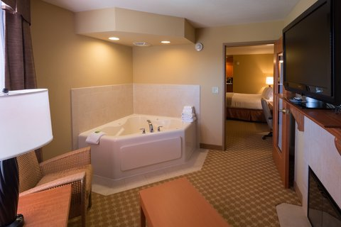 Holiday Inn Express & Suites CHICAGO WEST-ROSELLE - Jacuzzi Suite