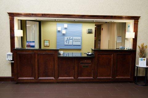 Holiday Inn Express & Suites LEXINGTON-HWY 378 - Front Desk