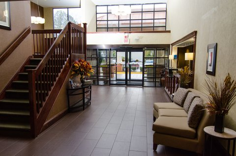 Holiday Inn Express & Suites LEXINGTON-HWY 378 - Entrance