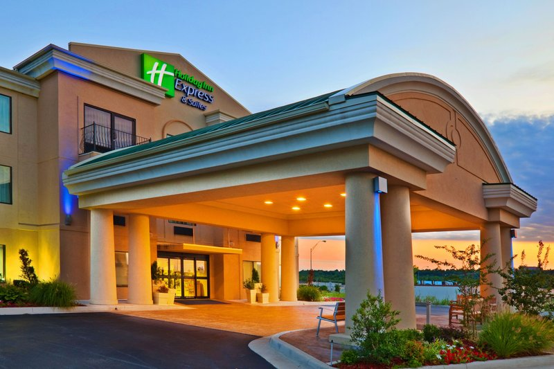HOLIDAY INN EXP STES MUSKOGEE
