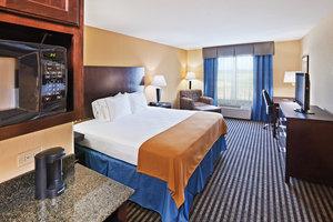 Room - Holiday Inn Express Hotel & Suites Okmulgee