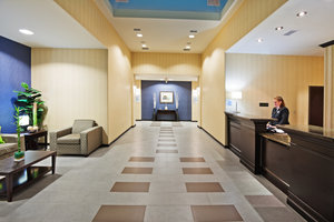 Lobby - Holiday Inn Express Hotel & Suites Okmulgee