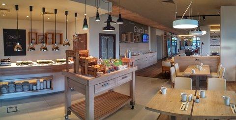 Tranzit Hotel - Breakfast Area